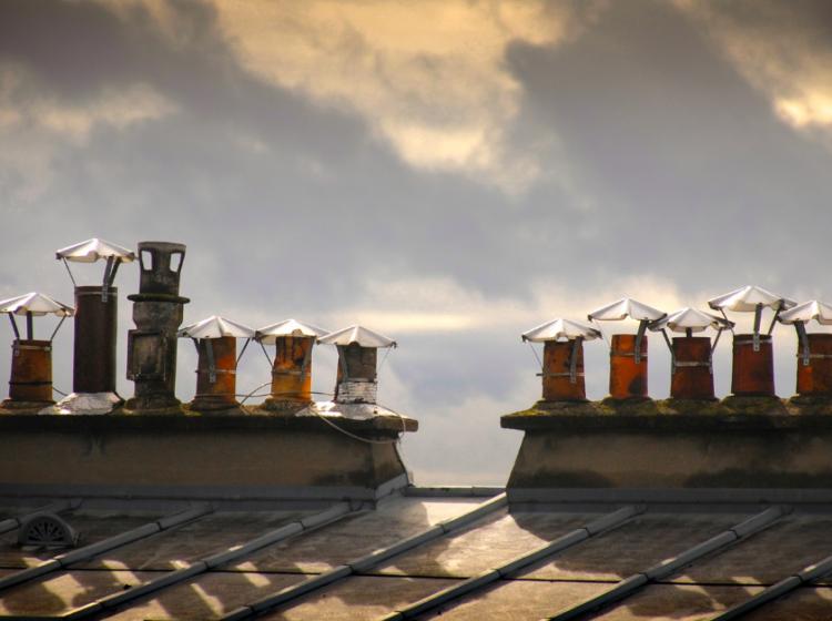 Cheminée à Paris et Neuilly : Peut-on profiter d'un bon feu chez soi ?
